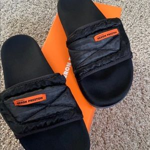 Heron Preston slides